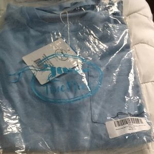 70374ee889 NWT TRUE FLIES SHORT SLEEVED T-shirt